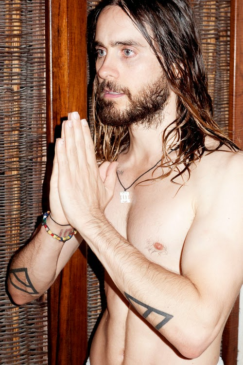 A naked Golden Globe winner Jared Leto poses in a photo shoot with photog Terry Richardson