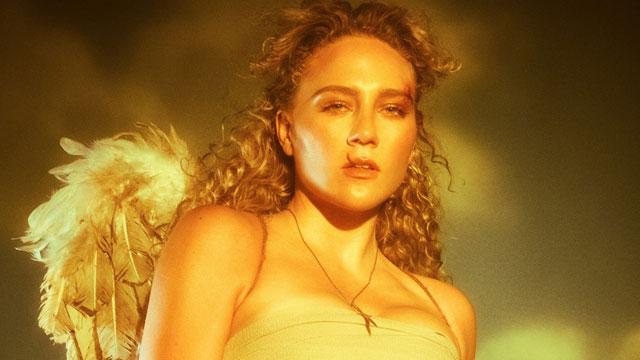Alt-pop artist Kat Cunning